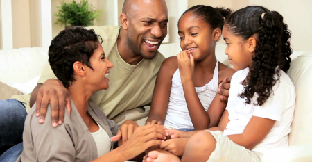attractive-young-african-american-family-talking-together_eyjoafike__F0000
